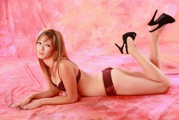 Niyara escort model