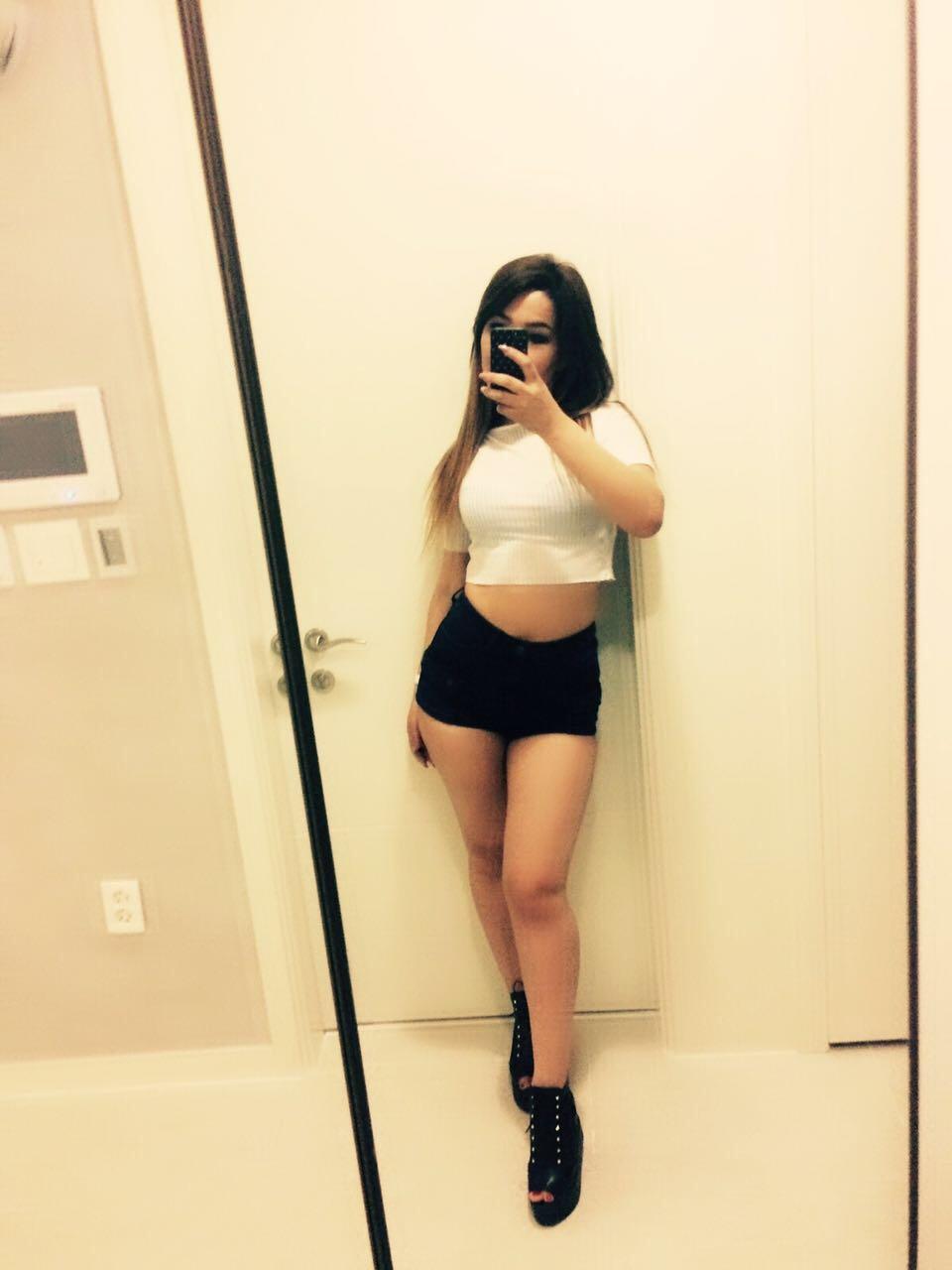 Adelina escort model