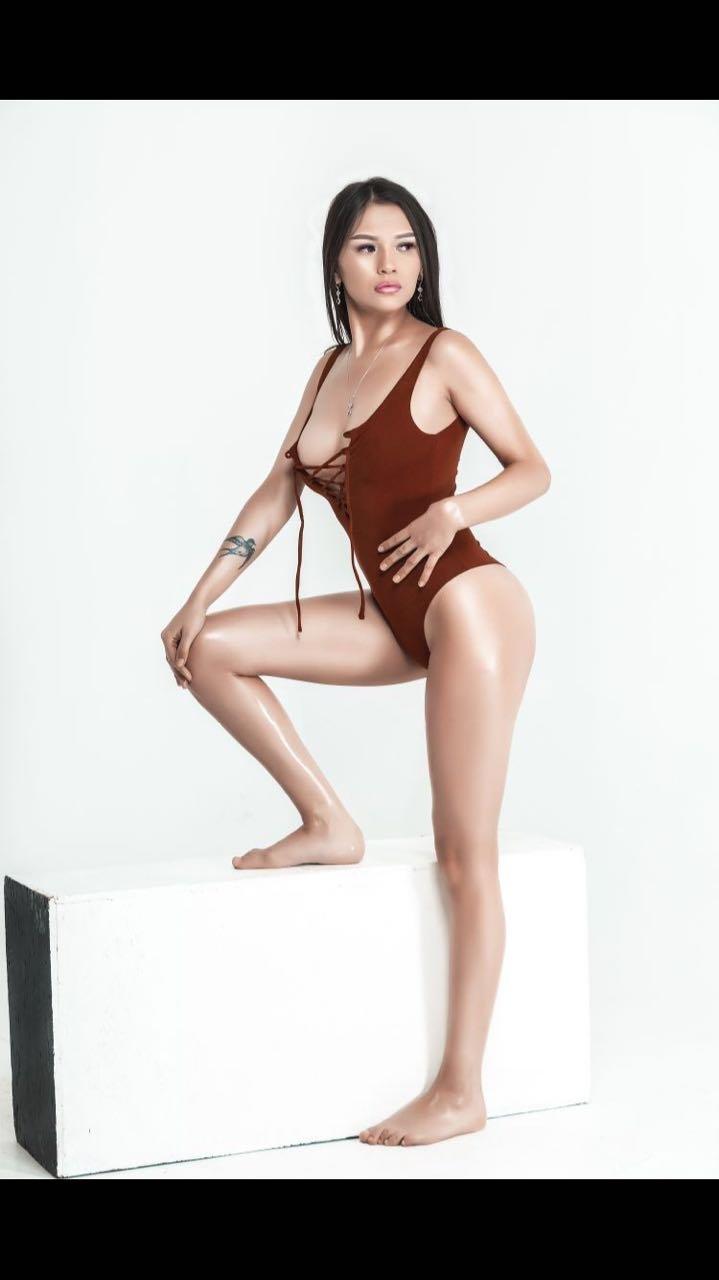 Rimma escort model