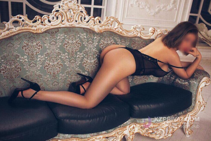 Nika escort model